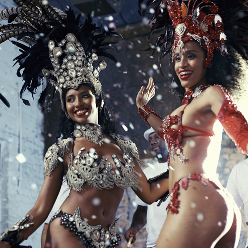 brazilian-samba-queens-dancing